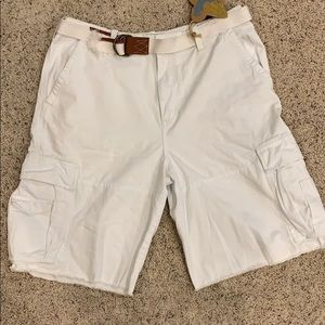 Other - NWT white men's cargo shorts with belt size 40